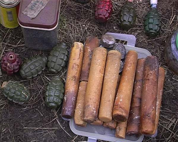 """У """"черных копателей"""" изъяли боеприпасов на сотни тысяч рубле."""